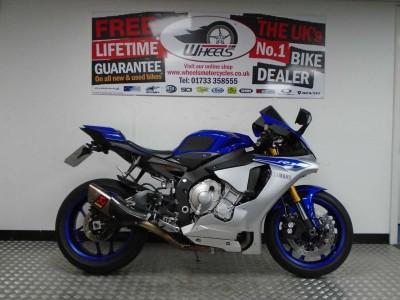 Image of Yamaha YZF R1 15