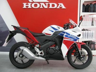Image of Honda CBR 125 R-F