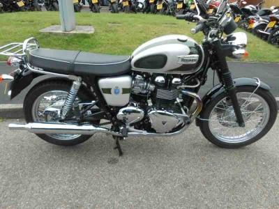 Image of Triumph BONNEVILLE T100