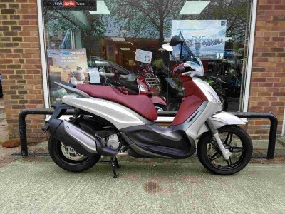 Image of Piaggio Beverley 350ie Sports Touring