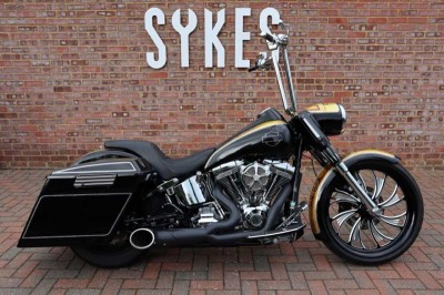 Image of Harley-Davidson CVO SOFTAIL DELUXE
