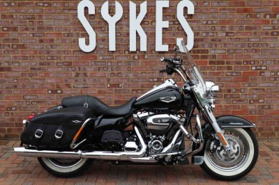 Image of Harley-Davidson TOURING ROAD KING CLASSIC