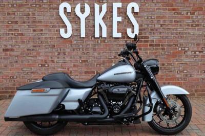 Image of Harley-Davidson ROAD KING SPECIAL